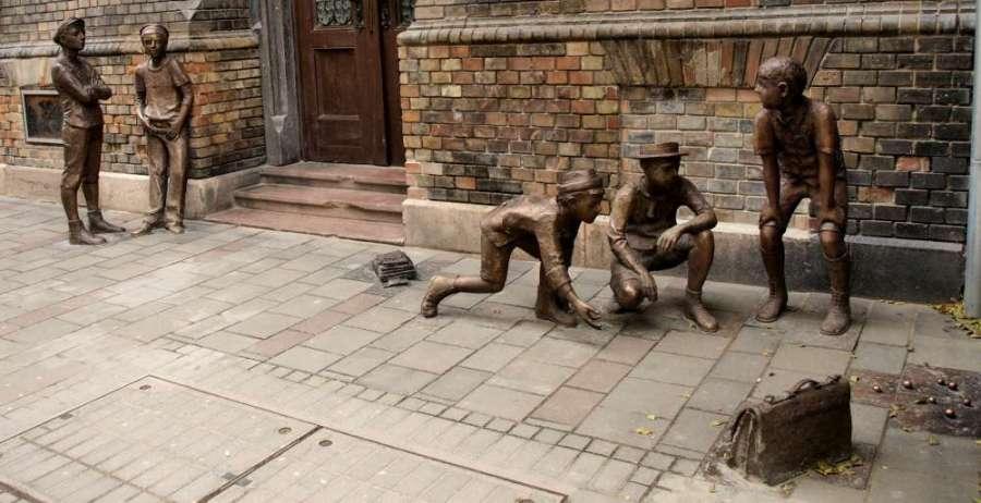 einstand-szobor.jpg